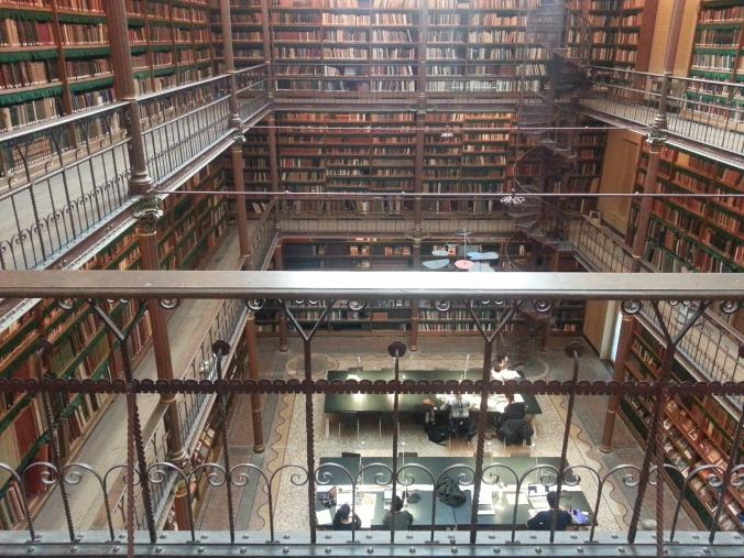 library-568940_1920