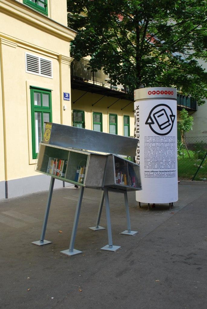 © Offener Bücherschrank 2010-2012, Ottakring